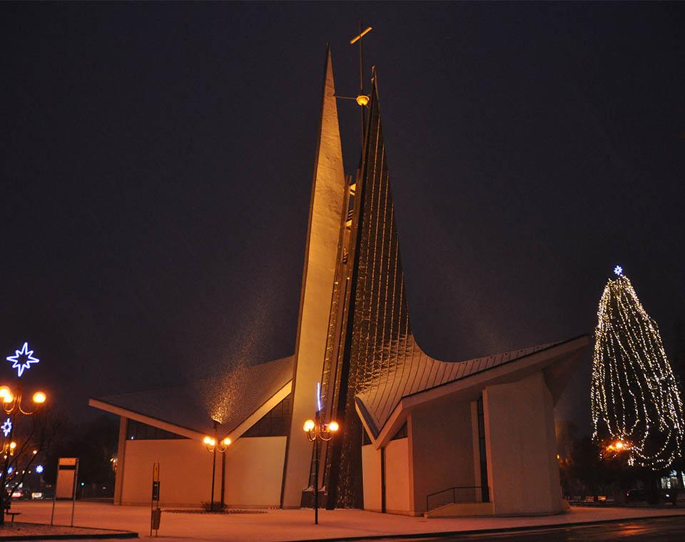Kostel sv. Václava v Břeclavi v noci